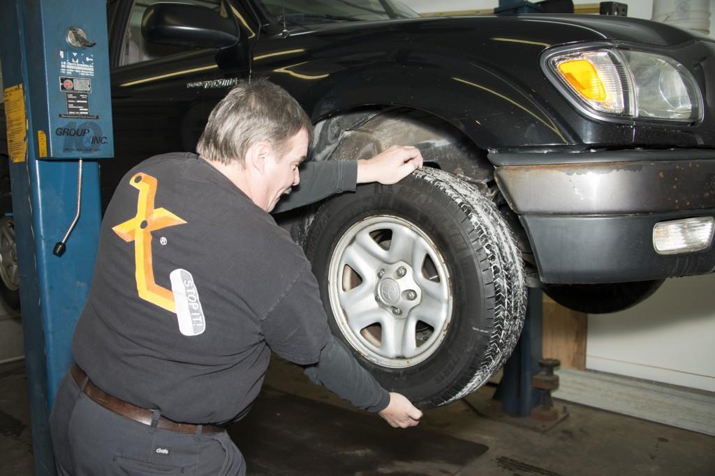 Front Wheel Brake Inspection 02