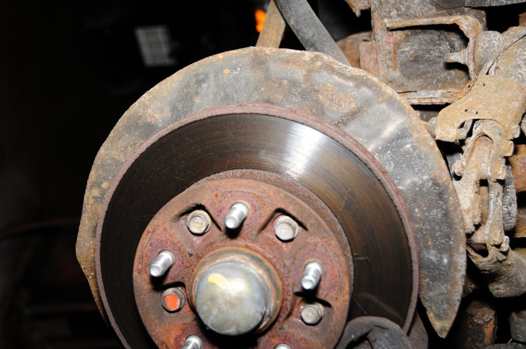 Brake Relining Material : How to reline front disc brakes